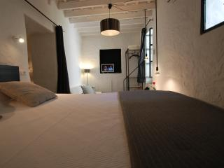 Kalao suite with garden in the historic center, Tarifa