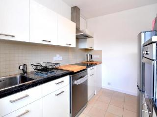 Central Apartment With Patio In The Heart Of City, London