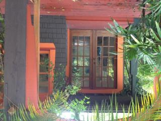 Tropical Paradise Bungalow, Princeton