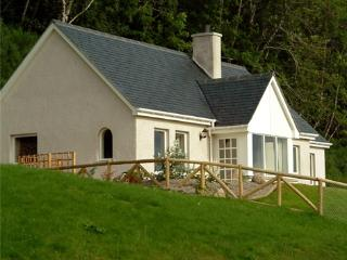 Luxury Loch-side Cottage on Loch Ness, Abriachan