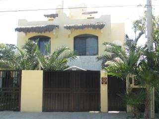 Casa Shiva 3 Bedroom Home  Pool Close to Beach, Puerto Morelos