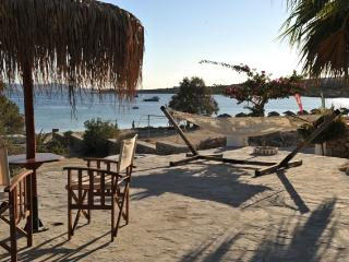 Beach Studio with great sea view, Paros