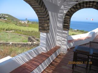Isola di Pantelleria, dammuso Ginestra