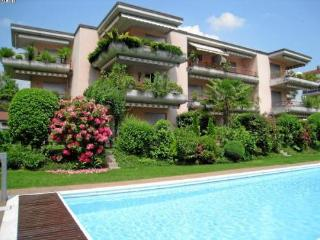 LLAG Luxury Vacation Apartment in Caslano - In a quiet, sunny position, heated swimmimg pool (# 4916)