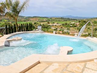 Finca Panorama- Fantasticly equipped finca with a lot of space and a gorgeous view, Son Macia