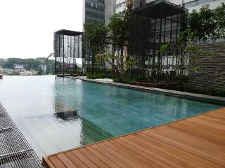 PJ8 Service Suite Near Train Station w. Pool View, Petaling Jaya