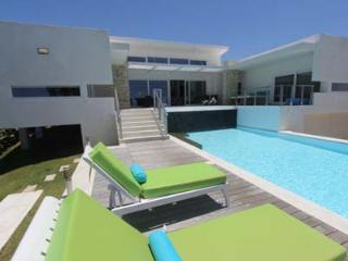 Villa SAYADENA with Infinity Pool, Cabarete