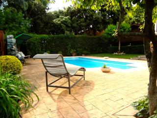 Idyllic villa with private tennis court just 10 minutes to Barcelona, Matadepera