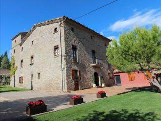 Historic Orista mansion for 18 guests, surrounded by the gorgeous Spanish countryside, Oristà