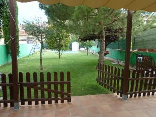 Pleasant 4-bedroom getaway in Berga with a private pool and spacious yard