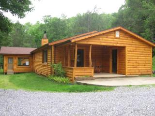 Cabin At Rock Creek,Surrounded by Nature & Solitude cabin with A/C Heat