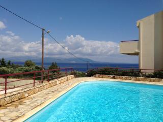 Sophisticated Aegean-Sea Living Near Athens