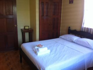 Charming Affordable 2 Bedroom Apt Belize City