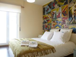 'Boutique Flat', City escape, Funny apartment, Cartoon decorated (Sleeps 8)