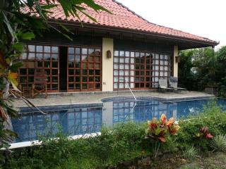 Bali Style Vacation Home, Atenas