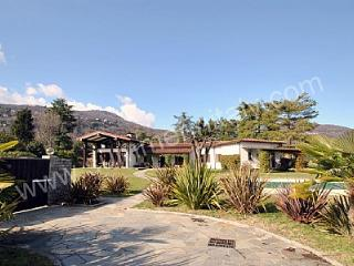 Villa Adelinda, Lesa