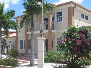 Aruba Eagle Beach Villa Family Vacation Rental, Palm/Eagle Beach