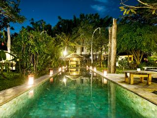CENTER SEMINYAK -5 BEDROOMS- BALI TRUE EXPERIENCE