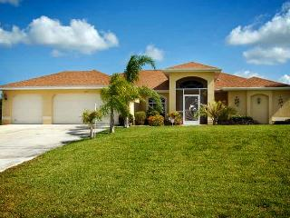 Villa Papaya - Canal/pool/dock, Quiet Neighborhood, Cape Coral