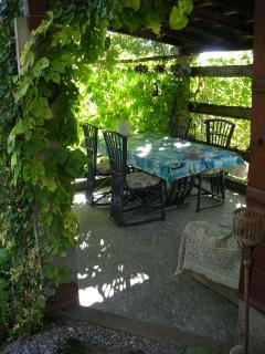 a meal in the pergola?