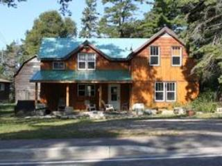 4 Bedroom Cottage Providence Bay, Manitoulin Island, Ontario!, vacation rental in Kagawong