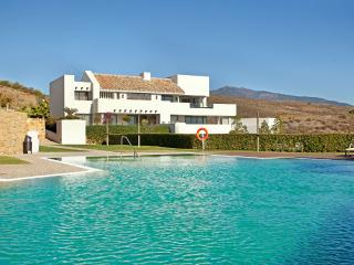 Luxurious garden apartment with amazing views close to Marbella, Benahavís