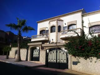spacious & family friendly 5 BR villa, Ocean views, Salé