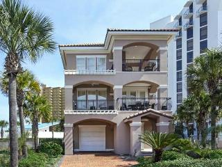 Beachside community with pool!! Short walton to the private beach!!!