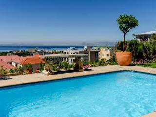 Cape Town garden apartment ,  upper Greenpoint , V & A Waterfront