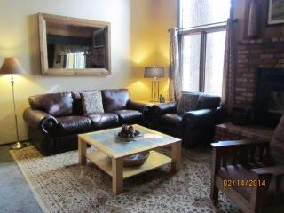 Large Condo!  4 rooms/3 bathroom in Mammoth Creek, Mammoth Lakes