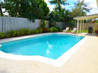 Tequesta pool home - prime location!