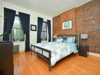 *SPLENDID* Upper East Side 2 Bedroom Apartment