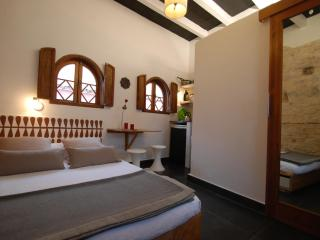 Cosy room with private bath and Kitchenette, Tarifa