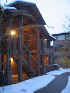 Ski in /out light-filled with outdoor deck