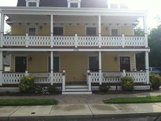 Modern, Immaculate, and Relaxing 3BDR/3BTH Condo, Cape May
