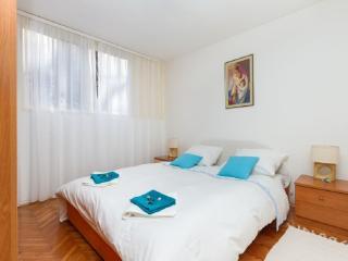 Apartment Mateo close to the beach Bačvice, Split