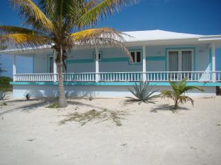 Escape to Oceanfront cottage at Whale Point, Baham, Eleuthera