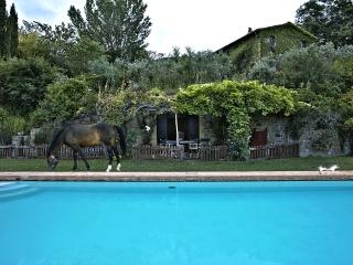 Banxiana - Ideal for Couples and Families, Beautiful Pool and Beach
