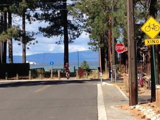 Lakeview Cabin Near Beach. 4 Bikes & Hot Tub!, South Lake Tahoe