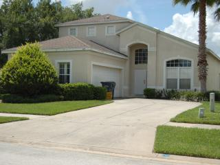 572 5 bedroom home with private fenced pool, Davenport