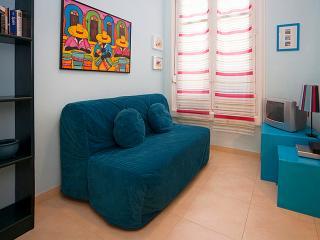 Madrid Cozy Budget Loft Gran Via 2