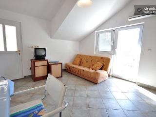 Apartment excelent location yust 200m to the beach, Biograd na Moru