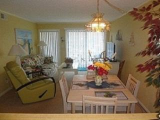 N. Myrtle 3 bedroom 21/2 bath condo on Shore Drive, North Myrtle Beach