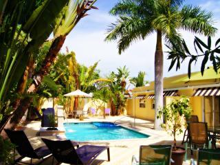 Villa Cascada, Gulf Gate Branch