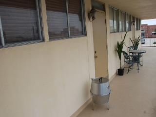 Large 1 BR, Sleeps 6, Wi-Fi, Gated Parking, Tiki Island