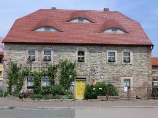 Vacation Apartment in Schoenewerda - 387 sqft, rustic, quiet, comfortable (# 4977), Artern