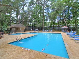 6 Sweet Gum Lane, near the Pool & Action, Free Bikes, Tennis, Pet Friendly