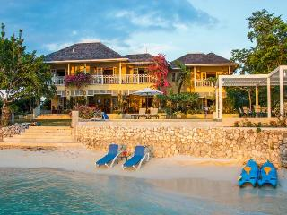 Sugar Bay Villa, Discovery Bay, Jamaica - Absolute Waterfront Villa, Pool