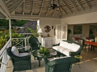 Sensational 3 Bedroom Villa in Round Hill, Hopewell