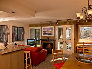 Sun Valley Cottonwood Condo from $99/Night with Resort Passes!
